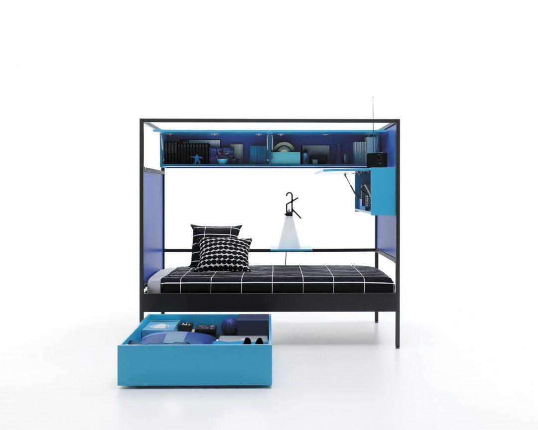 Cama individual de diseño con complementos en 2 tonos de azul