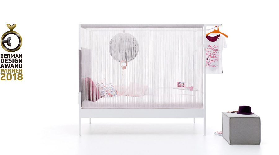 Nook Bed con cortina