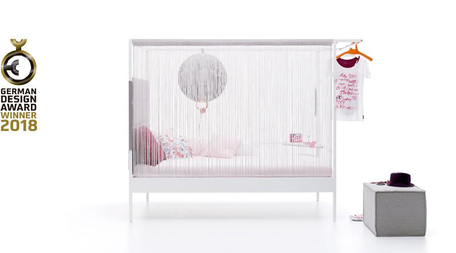 Nook Bed con cortina
