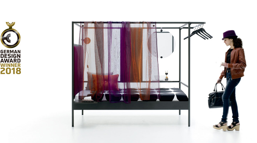 Nook Bed con cortina transparente