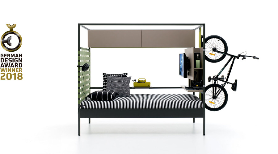 Nook bed con bicicleta