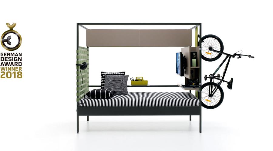 Nook bed con bicicleta